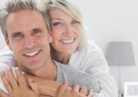 Ankstyvo ir mažiau agresyvaus kastracijai rezistentiško prostatos vėžio gydymas