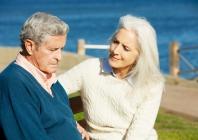 Pagyvenusių ir senų žmonių, gulinčių stacionare, avalynės saugumo vertinimas