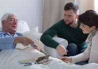 Pirmasis neprovokuotas traukulių priepuolis suaugusiesiems: prognozė ir gydymo rekomendacijos